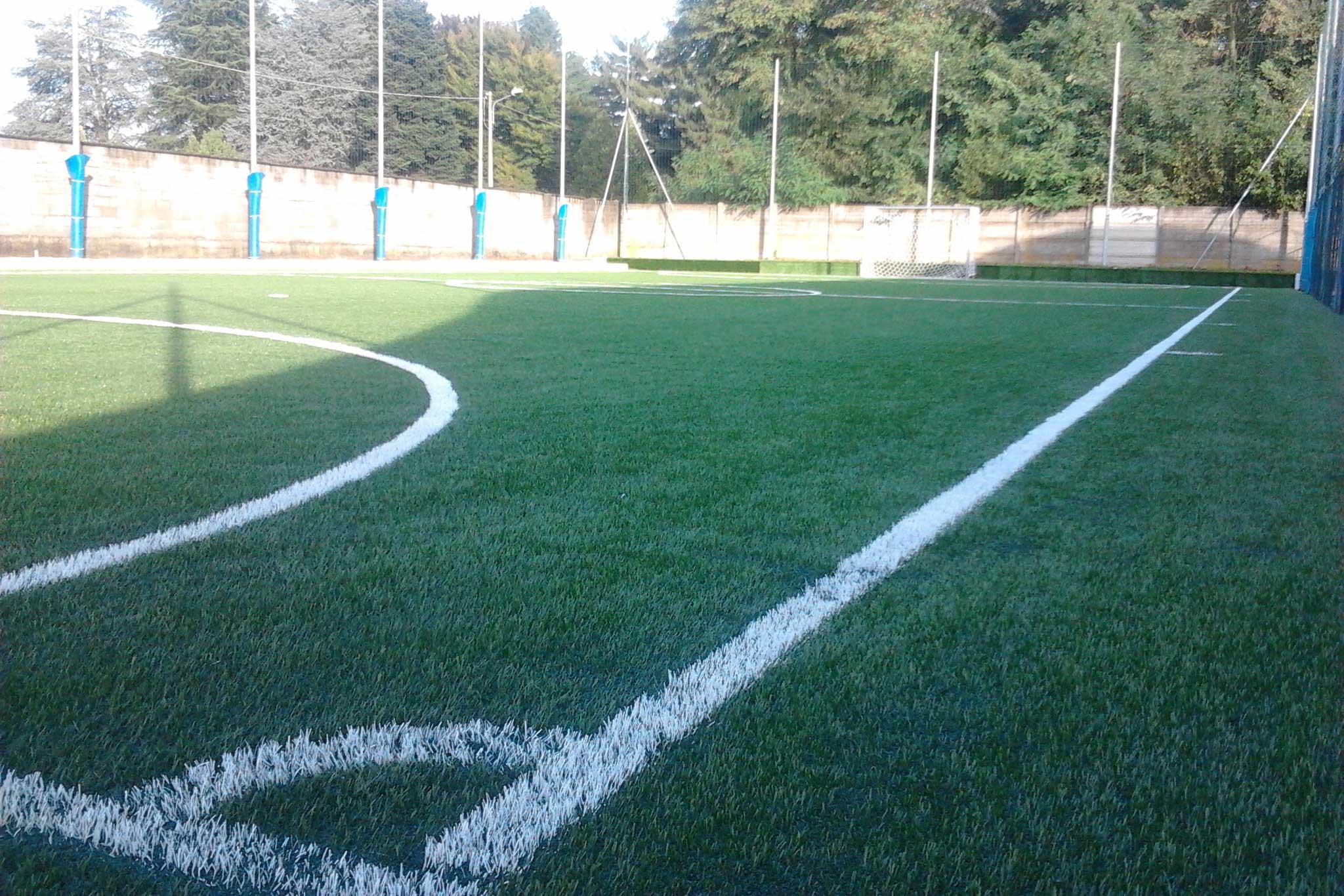 Campo-Calcetto-Erba-Sintetica-Olgiate